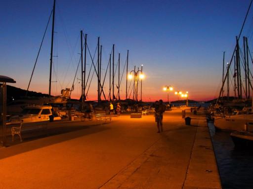 Foto eines Hafens bei Sibenik -  Organisation eines Segelurlaub in Kroatien